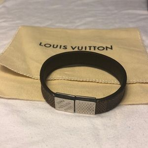 💯AUTHENTIC/NEW Louis Vuitton Pull it Bracelet